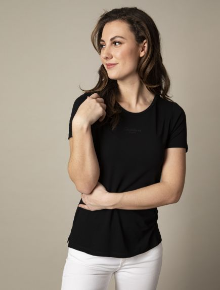 Adriana Tee